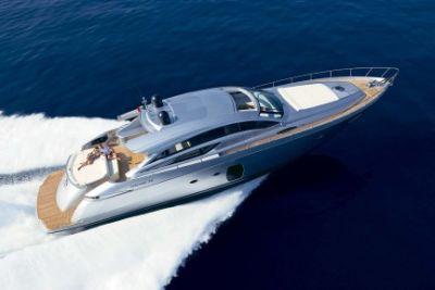 pershing_72_yacht_b.jpg