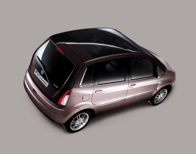 lancia-automobiles-al-32-motor-show-di-bologna-02.jpg