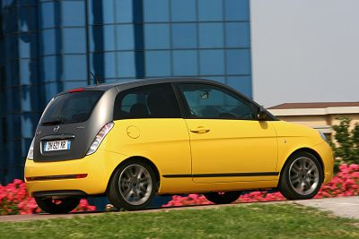 lancia-automobiles-al-32-motor-show-di-bologna-04.jpg