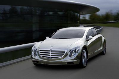 Mercedes F 700 con DIESOTTO: il meglio del motore diesel e benzina