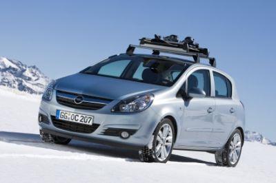 Anche in Italia, è arrivato il freddo e cade la prima neve: consigli Opel e segreti per guidare sicuri anche nei mesi freddi