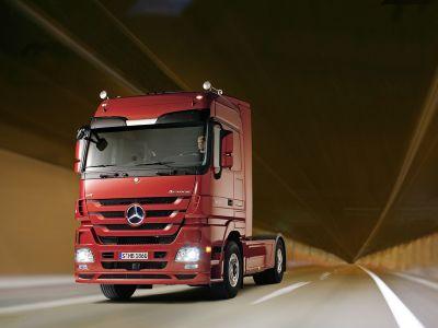 Nuovo Actros Mercedes-Benz, ulteriore perfezionamento in termini di redditività, comfort, sicurezza e design per il modello più di successo della gamma Trucks
