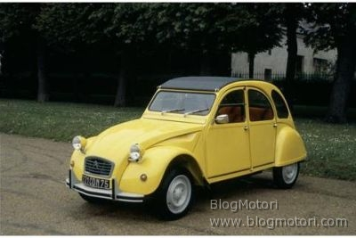 Intramontabile decana, la Citroen 2 CV ha compiuto 60 anni