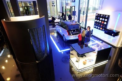 berlino-boutique-concept-lancia-lifestyle-lounge-showroom-03.jpg
