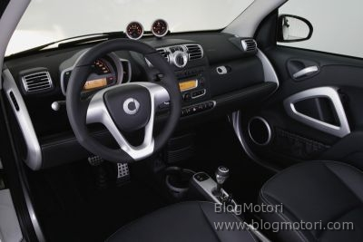 2008-brabus-car-my-show-smart-special-xclusive-03.jpg