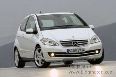 Nuova Mercedes Classe A, ecco le prime foto del restyling
