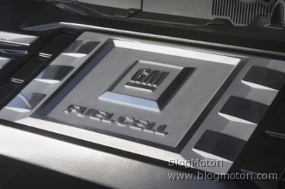 cell-chevrolet-clean-energy-equinox-fuel-ginevra-gm-hydrogen4-partnership-03.jpg