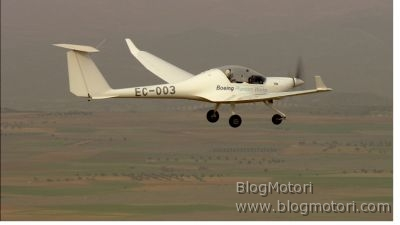 """Boeing """"Fuel Cell Demonstrator Airplane"""", il primo aereo con pilota a celle a combustibile"""