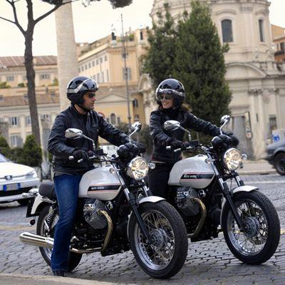 Moto Guzzi V7 Classic, ricordando la celebre progenitrice