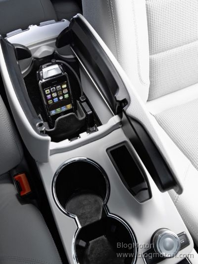 iphone-mercedes-benz-ipod-interface-kit-iphone-kit-apple