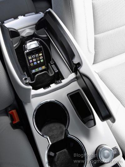 Perfetta integrazione dell'iPhone con le autovetture Mercedes-Benz