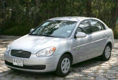 Hyundai Elantra LPI a GPL e batterie ai polimeri di litio