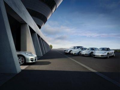 Porsche svela i primi particolare della nuova Panamera