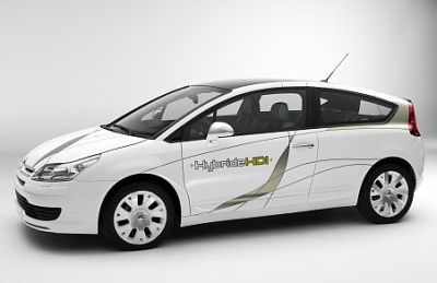 EDF si allea con Peugeot e Citroen per favorire lo sviluppo di auto elettriche