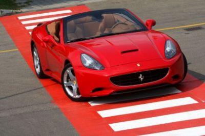 La Ferrari California debutta a Parigi