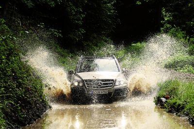 Mercedes-Benz Italia incontra la blogosfera per un eslusivo test drive