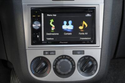Opel Corsa inTouch con Pioneer AVIC F900BT, tecnologia multimediale a 360 gradi