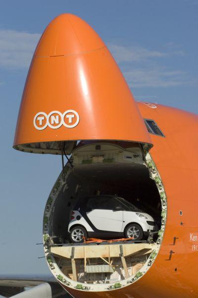 Aereo Privato Piu Grande Al Mondo : La vettura più compatta al mondo e l aereo grande del