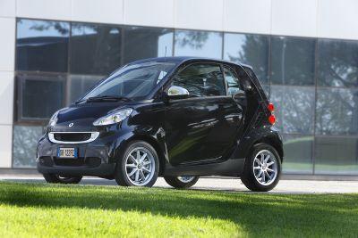 """Motor Show di Bologna 2008: smart fortwo """"black tie"""" ad un prezzo speciale"""
