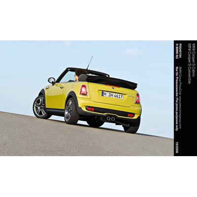 Nuova MINI Cabrio: si rinnova la famosa quattro posti aperta, venduta in tutto il mondo in oltre 164.000 esemplari