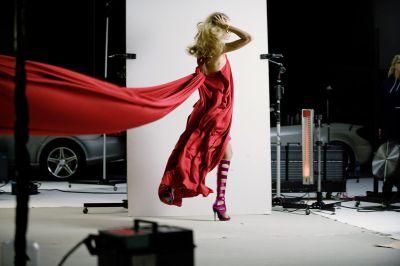 julia-stegner-testimonial-internazionale-per-la-moda-di-mercedes-benz-03