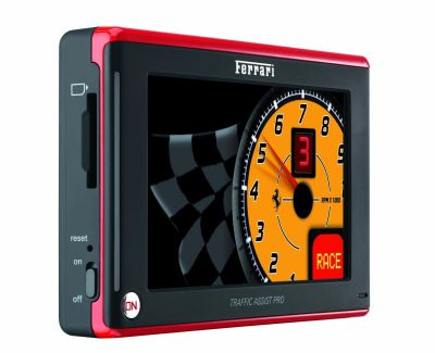 Becker Traffic Assist Pro Z 250: esclusivo navigatore portatile realizzato in collaborazione con la casa di Maranello