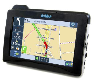 avmap-geosat-6-xtv-ovvero-navigatore-gps-tv-digiale-telefono-e-tanto-altro-ancora-01