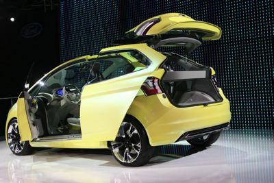 ginevra-2009-ford-presenta-il-multi-activity-vehicle-iosis-max-02