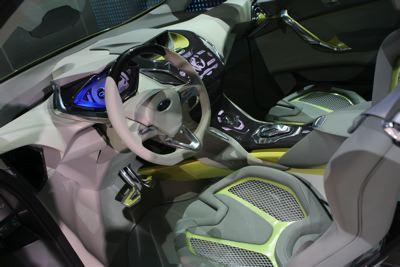 ginevra-2009-ford-presenta-il-multi-activity-vehicle-iosis-max-04