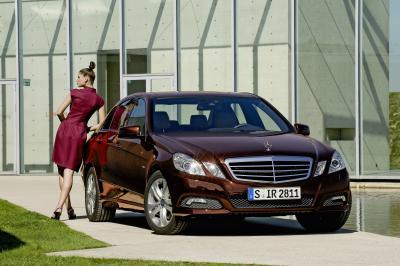 Nuova Mercedes-Benz Classe E Berlina: 50.000 visitatori per l'open weekend