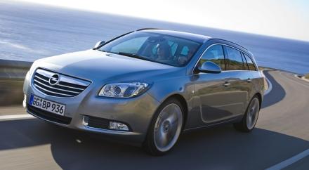Opel Insignia: arriva la versione station wagon Sports Tourer
