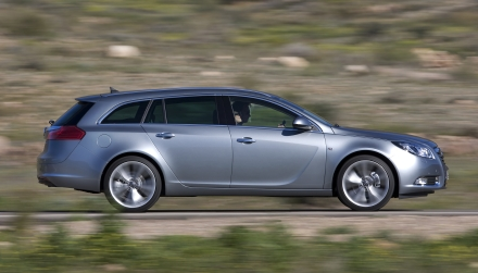opel-insignia-arriva-la-versione-station-wagon-sports-tourer-03