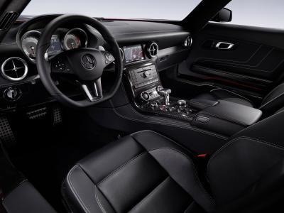 """Mercedes-Benz SLS AMG: ecco gli interni della """"ali di gabbiano"""""""