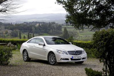 mercedes-benz-classe-e-coupe-perfetto-mix-di-fascino-ed-efficienza-03