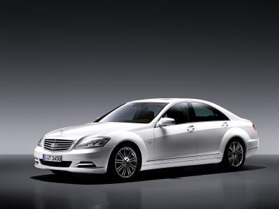nuova-mercedes-benz-s-400-hybrid-04