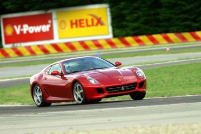 Hot laps a bordo di una Ferrari 599 GTB HGTE guidata da Schumacher il video