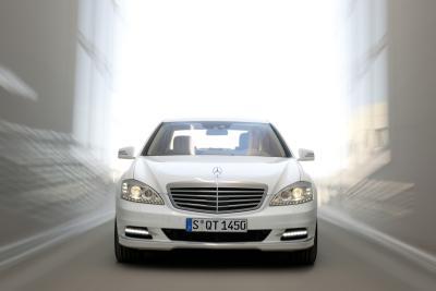 Mercedes Classe S 400 Hybrid: prima ibrida al mondo con tecnologia delle batterie agli ioni di litio