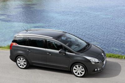 peugeot-5008-7-posti-in-totale-relax-03