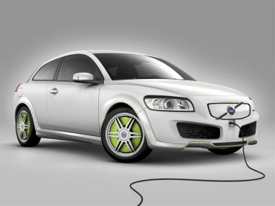 volvo-car-corporation-e-vattenfall-joint-venture-per-immettere-sul-mercato-auto-ibride-plug-in-nel-2012