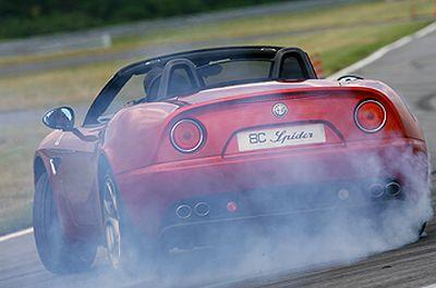 Alfa 8C Spider: test drive sul circuito di Balocco