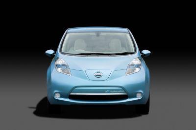 Nissan Leaf: prima vettura elettrica prodotta in serie destinata al mercato mondiale