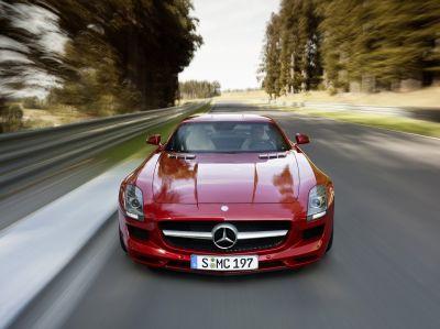 "Mercedes-Benz SLS AMG ""Gullwing"": video ufficiali e nuove immagini"