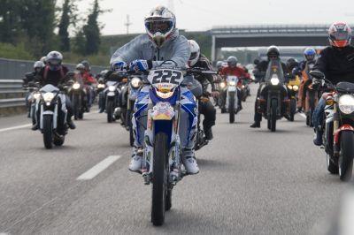 """Tony Cairoli e la """"Red Bull Bike Invasion"""""""