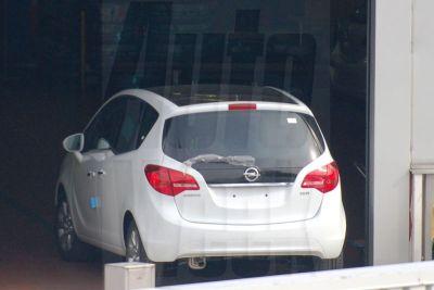 Nuova Opel Meriva ecco le prime immagini 00