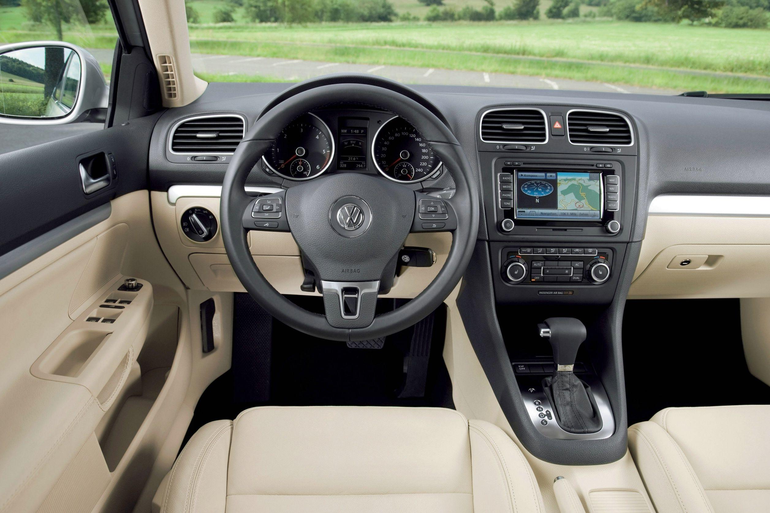 Nuova Volkswagen Golf Variant 04