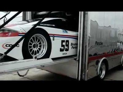 Porsche uno spot di famiglia per dare il benvenuto alla nuova Panamera