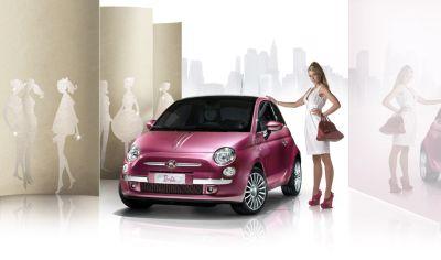 Fiat 500 Barbie: la show car protagonista di una festa e un'asta di beneficenza