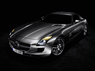 Luxury on the Lake: anteprima italiana per la Mercedes-Benz SLS AMG