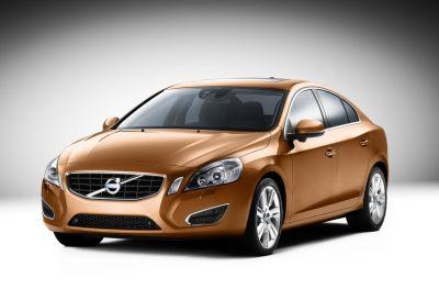 Nuova Volvo S60: prime immagini ufficiali