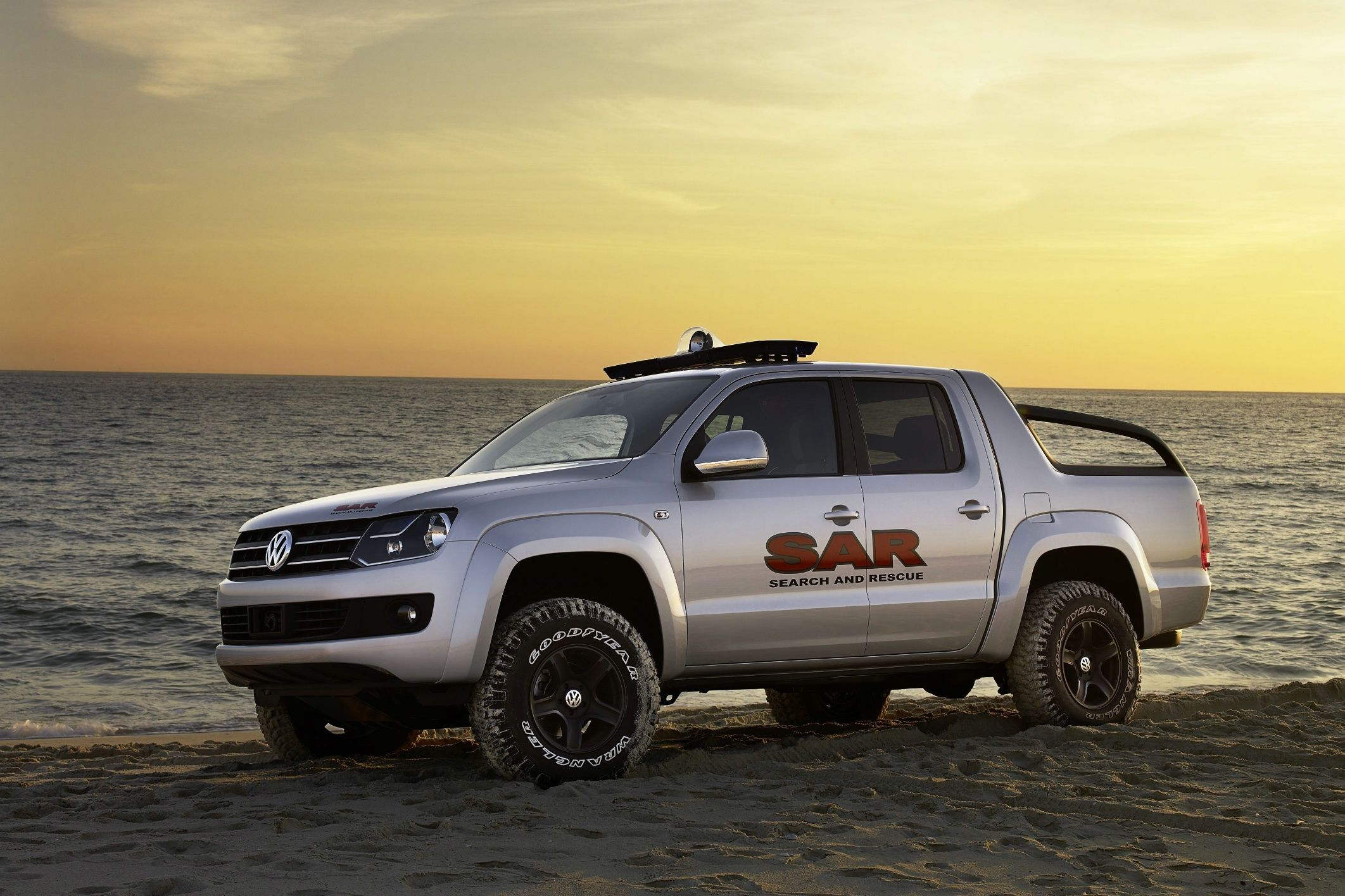 volkswagen amarok il nuovo pick up al dakar rally. Black Bedroom Furniture Sets. Home Design Ideas